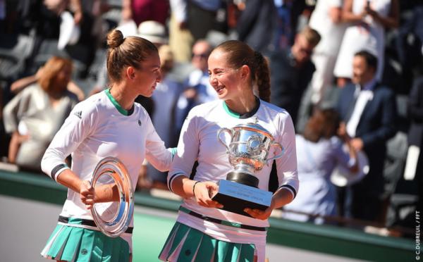 Jelena Ostapenko dan Simona Halep - Roland Garros 2017 - Wira Asmo